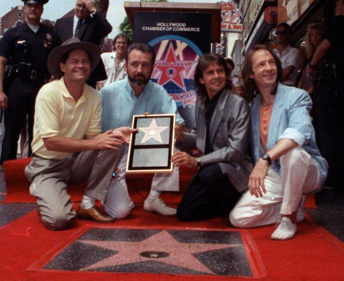 Americká skupina zo sedemdesiatych rokov The Monkees vydajú v októbri vianočný album