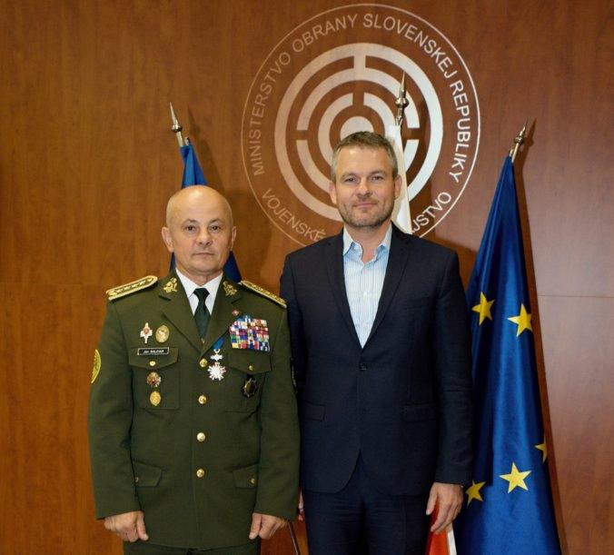 Pellegrini na návšteve u vojenských tajných zistil aj aktuálnu bezpečnostnú situáciu na Slovensku