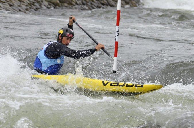 Aktualizované: Kompletné trio Slovákov postúpilo do finále C1 na MS vo vodnom slalome, Slafkovský skončil druhý