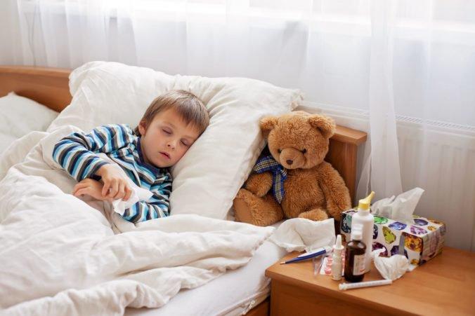 Počet chorých na Slovensku stúpol o takmer 23 percent, zatvorili aj osem materských škôl