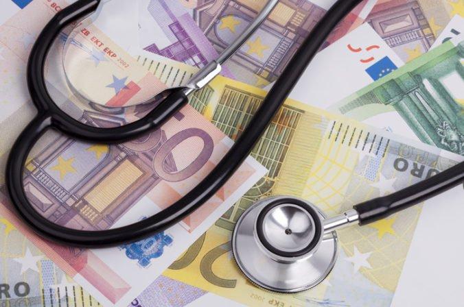 Zbrane majú prednosť pred zdravotníctvom, pacienti kritizujú Kažimírov návrh štátneho rozpočtu