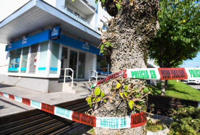 Foto: V Myjave došlo k lúpežnému prepadnutiu banky, polícia zaistila miesto činu