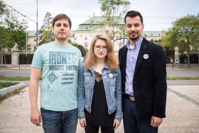 Iniciatíva Za slušné Slovensko reaguje na situáciu v RTVS a hovorí o komunistickej normalizácii