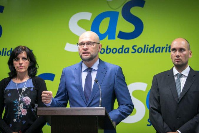 SaS žiada transparentnosť a verejnú kontrolu cenovej regulácie energetických monopolov