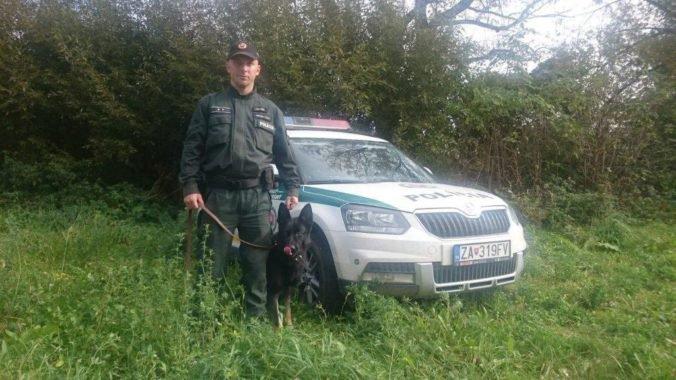 Žena si chcela pri horskom priesmyku Príslop siahnuť na život, zachránil ju policajný pes Metro