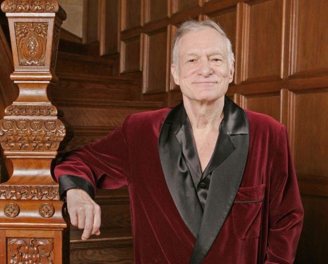 Budú dražiť župan i pyžamo Hugha Hefnera, výťažok poputuje na konto nadácie