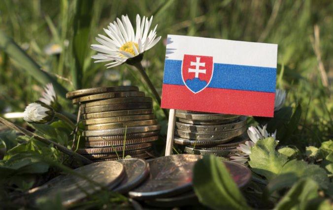 Slovensko kleslo v rebríčku konkurencieschopnosti, problémom verejné inštitúcie aj súdnictvo