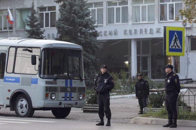 Zranených po streľbe na strednej škole v Kerči letecky prevezú do najlepších ruských nemocníc