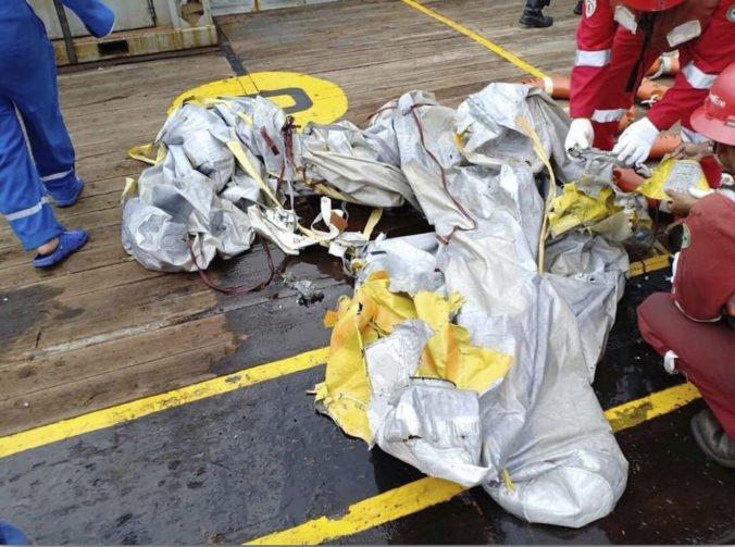 Video: Lietadlo Lion Air sa krátko po štarte zrútilo do mora, na palube boli desiatky ľudí