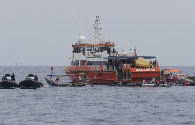 Foto: V Jávskom mori zrejme našli havarované lietadlo Lion Air, nález majú potvrdiť potápači