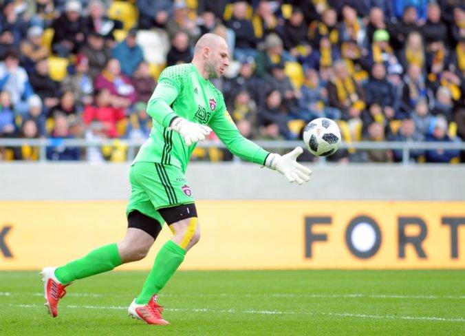 Brankára Chudého mrzí prvý inkasovaný gól, hráči Spartaka chceli ešte zápas s Dinamom otočiť