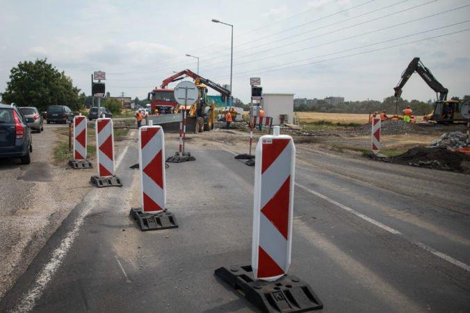 Rýchlostná cesta R7 pri Bratislave bude zrejme spustená skôr ako obchvat na diaľnici D4