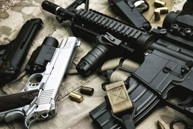 Dvojica z Dánska nakupovala nelegálne zbrane zo Slovenska, s ich zadržaním pomohla aj NAKA