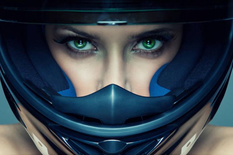 Motorkári by nemali ignorovať dopravné predpisy a mali by myslieť na svoju bezpečnosť