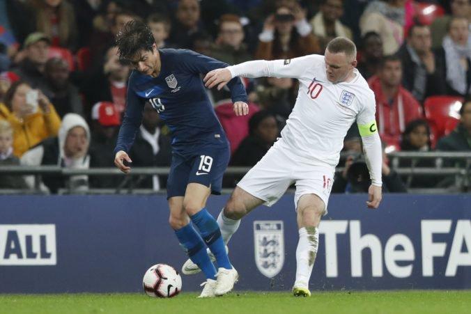 Video: Rooney sa lúčil s reprezentáciou. Strieľaj, kričali fanúšikovia pri každom jeho dotyku s loptou