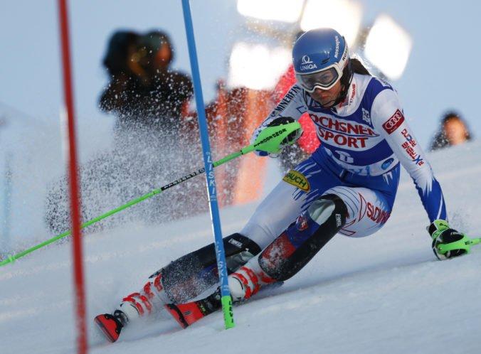 Vlhovej patrí tretia priečka po 1. kole slalomu, s malým náskokom vedie Shiffrinová