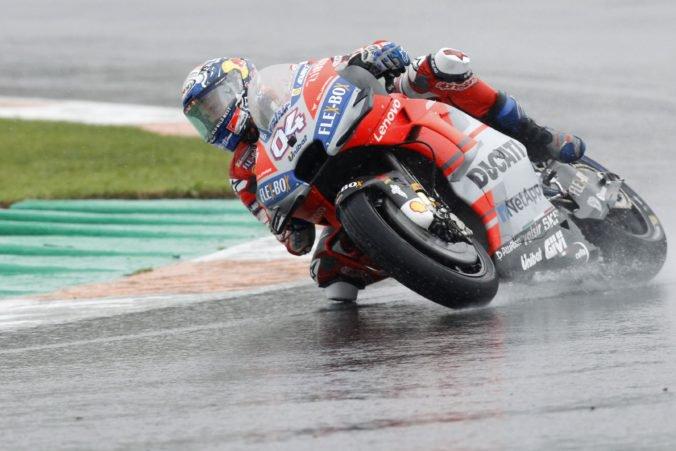 Video: Posledné preteky MotoGP po reštarte ovládol Dovizioso, Öncü prepísal históriu