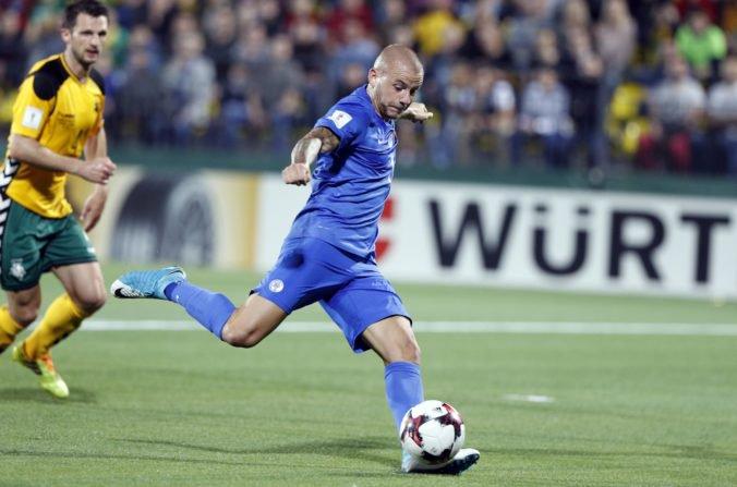 Vladimír Weiss na seba opäť upozornil, počas zápasu proti Česku opustil striedačku