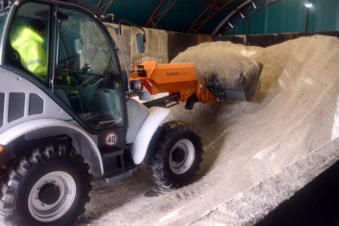 Banskobystrický kraj výhodne nakúpil posypovú soľ na zimnú údržbu ciest