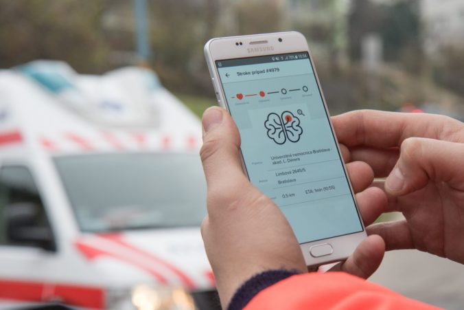 Vďaka mobilnej aplikácii prežije viac pacientov s mozgovou príhodou a akútnym infarktom myokardu