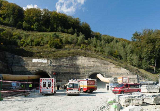 Výstavba úseku D1 s tunelom Višňové sa môže predĺžiť o tri roky, INEKO poukazuje na zlé riadenie