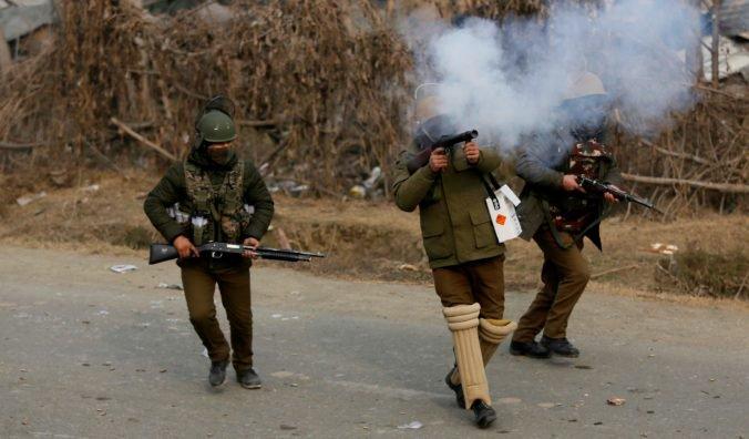 Indickí vojaci zabili troch rebelov, ukončili 18 hodín trvajúcu prestrelku