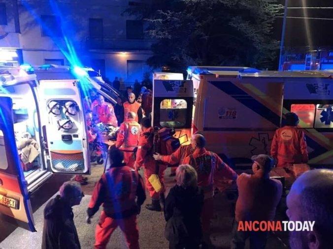 Po tragédii na koncerte v talianskom klube našli slzný sprej, polícia má záznamy z telefónov