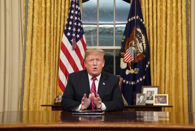 Video: Trump vyzval k financovaniu múru na hranici s Mexikom, chce ukončiť bezpečnostnú krízu