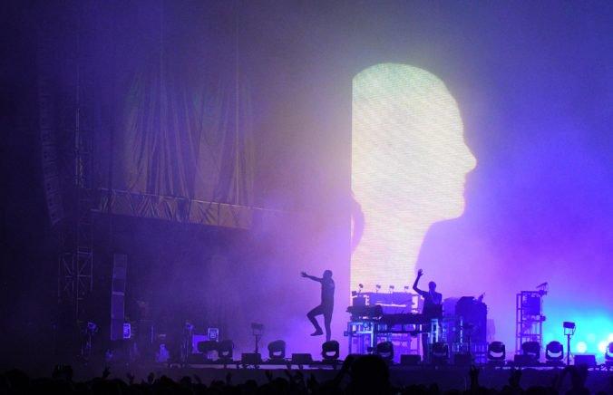 Duo The Chemical Brothers zverejnilo skladbu MAH, k novinke ponúkli aj videoklip