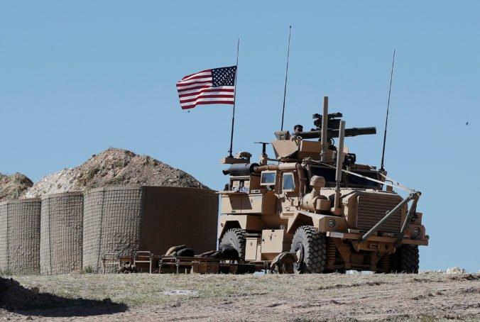 Američania začali so sťahovaním vojsk zo Sýrie, kde bojovali proti extrémistom z Islamského štátu