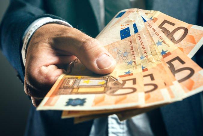 Košičan vylákal od deviatich ľudí viac ako 615-tisíc eur, sľúbil im ich zúročenie