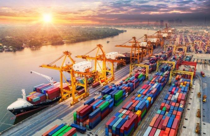 Tvrdý brexit výrazne zmení výmenu tovarov medzi Slovenskom a Britániou, varujú priemyselné zväzy