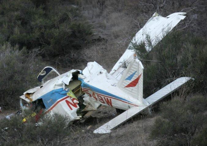 Malé lietadlo, ktoré sa zrútilo v hornatej alpskej oblasti, pilotoval štrnásťročný chlapec
