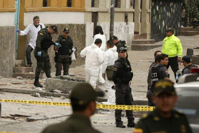 Na policajnú akadémiu v Kolumbii zaútočil člen povstaleckej skupiny, zabil desiatky ľudí