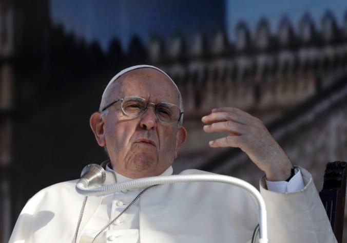 Pápež František odsúdil Trumpov múr a tých, ktorí šíria strach pred cudzincami