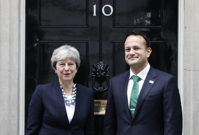 Dublin nesúhlasí s otváraním dohody o brexite, od Mayovej chce konkrétne návrhy o írsko-severoírskej hranici