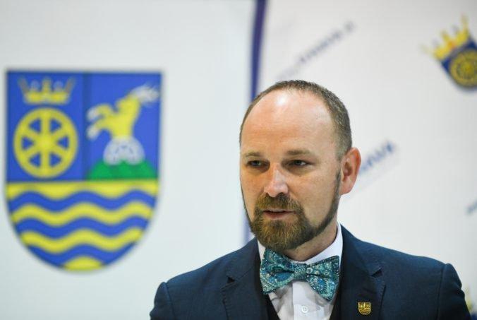 Poslanci Trnavského kraja odvolali vyše 30 riaditeľov, Viskupič vysvetlil zámer vedenia