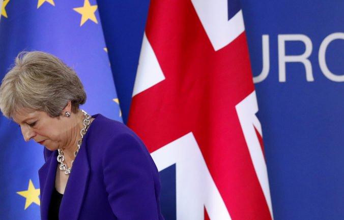 Britský parlament opäť hlasoval proti Mayovej, nesúhlasí s jej postojom k brexitu