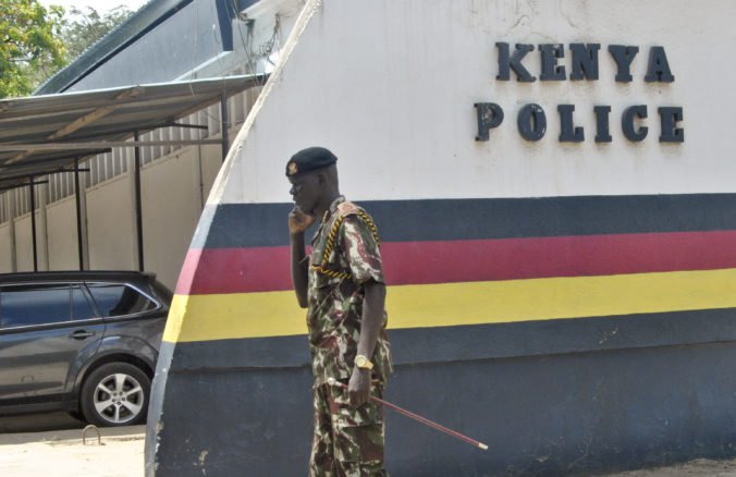 Policajt v Keni dostal trest smrti, kovovou tyčou ubil zadržaného Martina