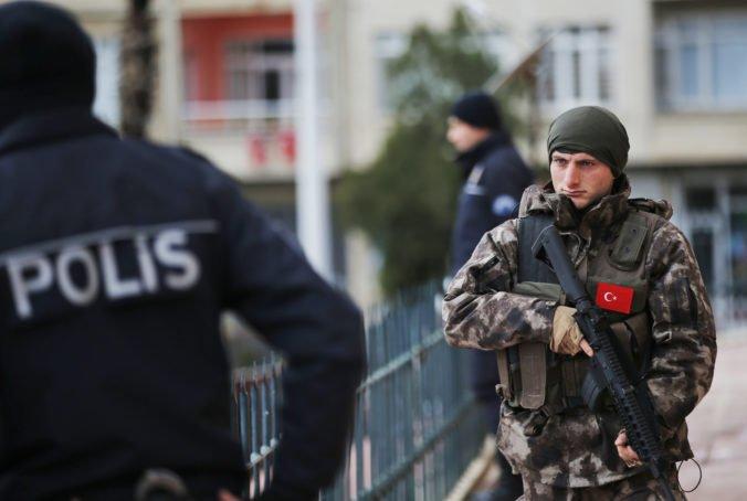 Turecká polícia zadržala desiatky Sýrčanov pre ich údajné väzby na Islamský štát