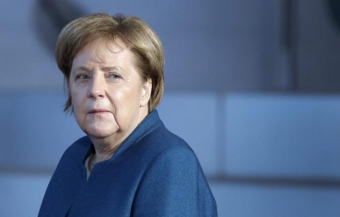 Merkelovú deprimuje rozdielnosť názorov a nechce odstúpiť od jadrovej dohody s Iránom