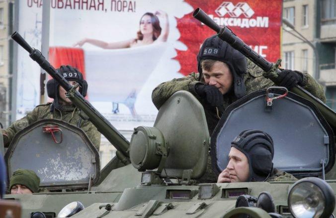 Ruským vojakom zakázali používať v službe smartfóny, môžu za to ich príspevky na sociálnych sieťach