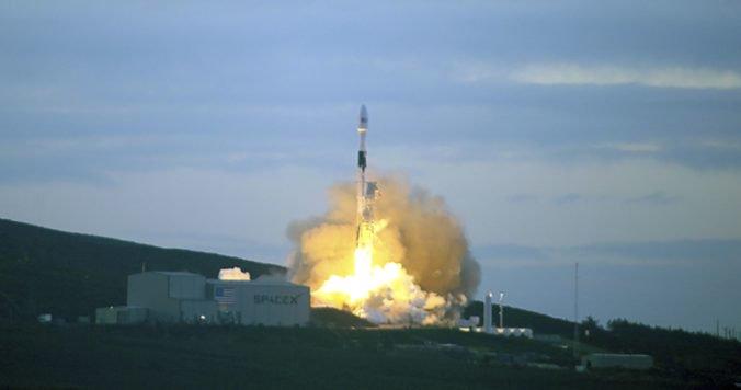 Video: Izrael vyslal k Mesiacu sondu Beresheet, premiér Netanjahu to označil za veľký krok