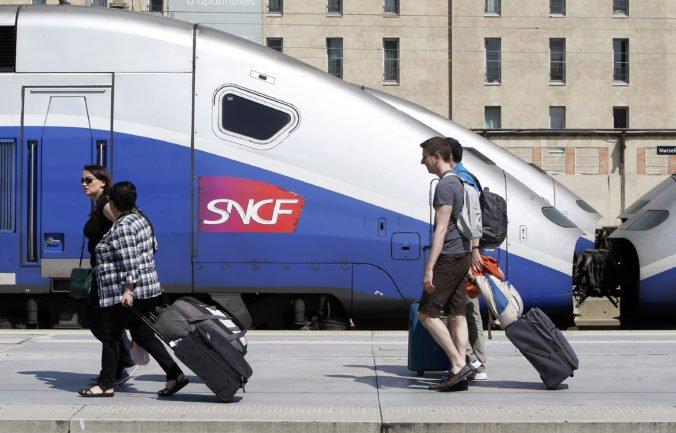 Brexit by nemal ovplyvniť základnú dopravu cez Lamanšský prieliv, tvrdí dopravca SNCF