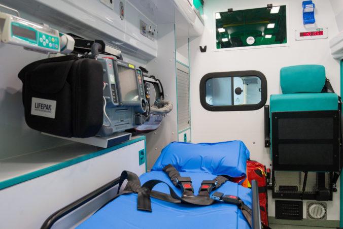 Obec Žihárec si kúpila vlastnú sanitku, chce zrýchliť príchod zdravotnej pomoci k pacientom