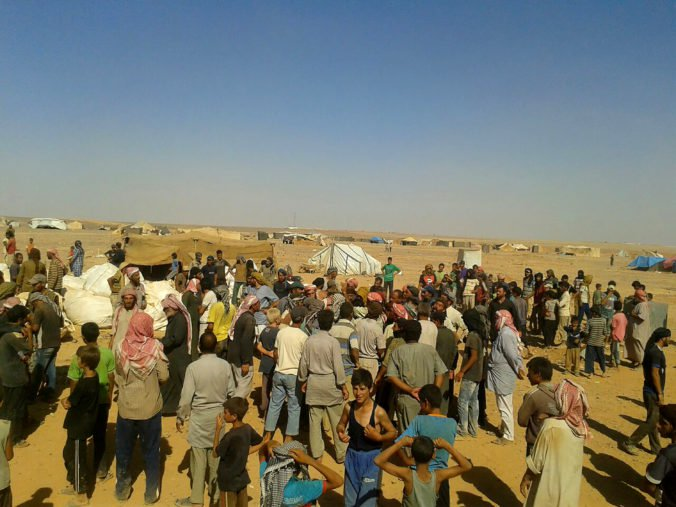 Utečeneckému táboru al-Hol v Sýrii hrozí kríza, môže za to aj príval tisícov žien a detí