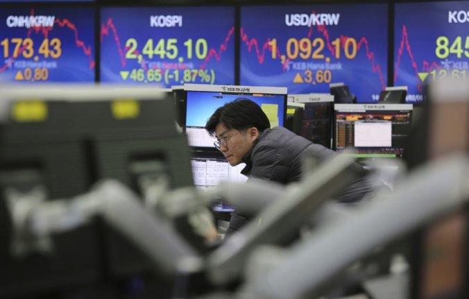 Americký akciový trh oslabil, spôsobila ho aj nižšia tvorba pracovných miest