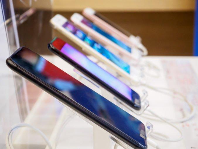 Celosvetový predaj smartfónov presiahol 500 miliárd dolárov, stali sa najväčšou časťou výdavkov