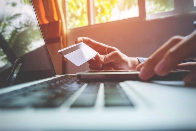Európska komisia víta dohodu na zjednodušení pravidiel DPH pri online predaji