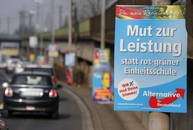 V Nemecku zaútočili na autobus nacionalistickej AfD, odporcovia strany hádzali svetlice a kamene